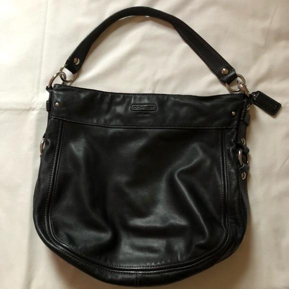 Coach Handbags - Auth Coach Shoulder Bag
